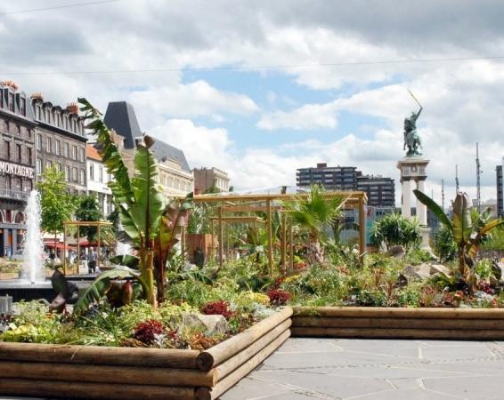 Place de Jaude- jardinières
