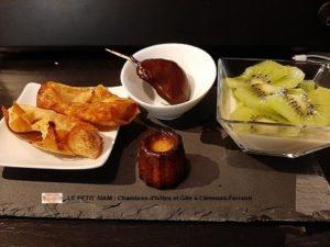 cuisine maison-nems aux fruits-panacotta aux kiwis-chocolat fourré à l'orange et au cointreau- mini canelé