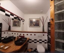 Chambre familiale-Salle de bains rénovée