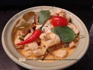 notre table d'hôtes- cuisine exotique panaeng poulet - curry rouge
