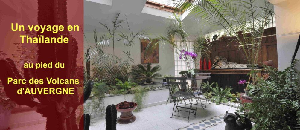 Salle-petit-déjeuner-jardin-interieur