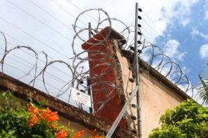 fuir la prison sensée nous protéger
